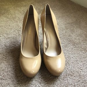 Arturo Chiang Nude Patent Leather Heel